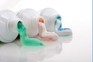 Помните что фтор в зубных пастах – опасно для жизни!